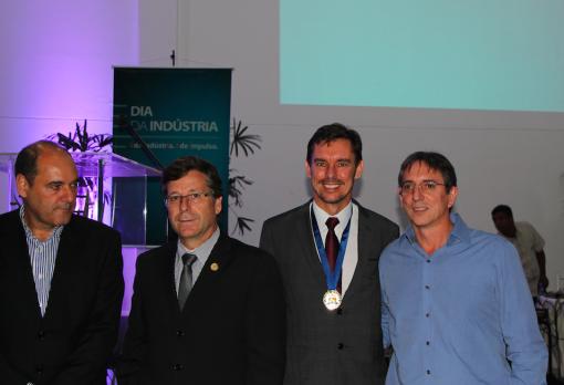 Ater Cristófoli homenageado pela FIEP pela sua atuação no desenvolvimento industrial do Paraná